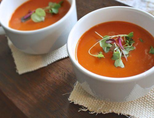 מרק פלפלים ועגבניות