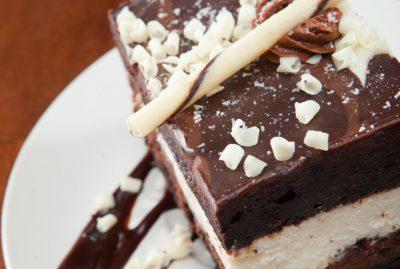 עוגת מוס שוקולד שלוש שכבות
